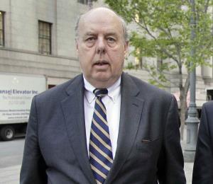 Renuncia abogado de Trump que pidió acabar con la investigación rusa