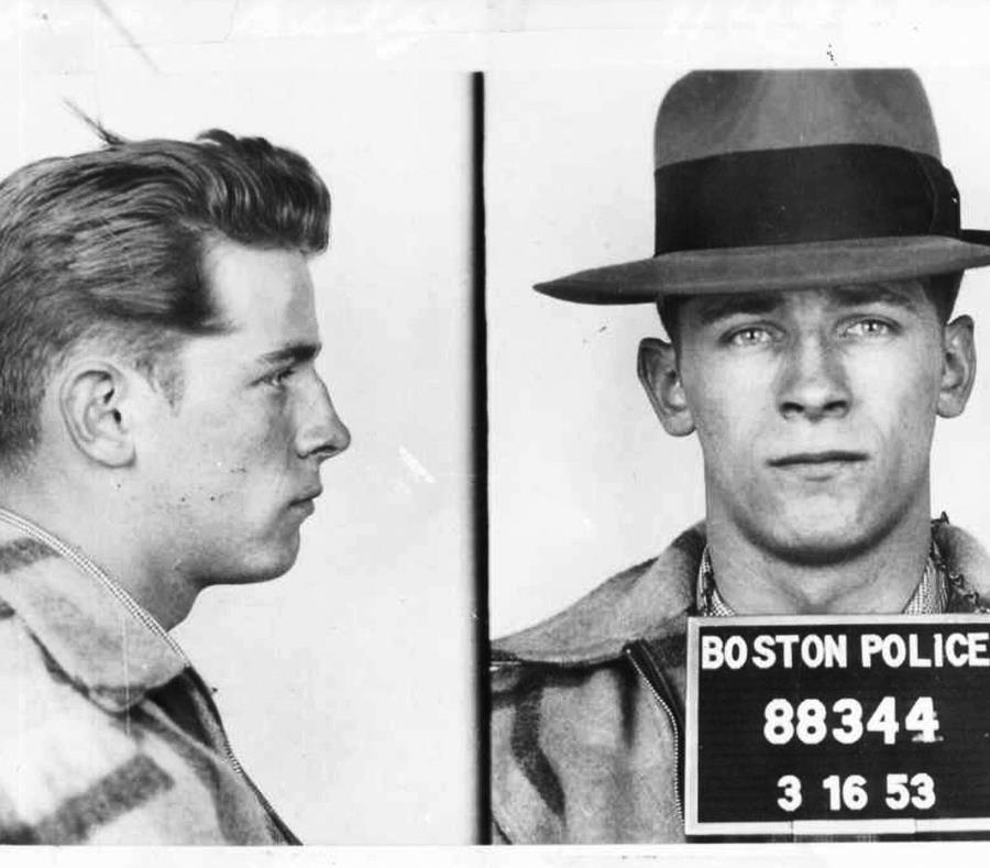 Asesinan al famoso gánster James 'Whitey' Bulger en prisión de Virginia — EEUU