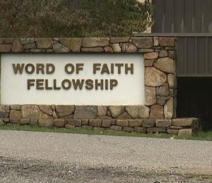 La manipulación de la fe hiere