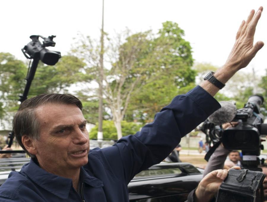 Bolsonaro saludó a Macri, quien terminó con