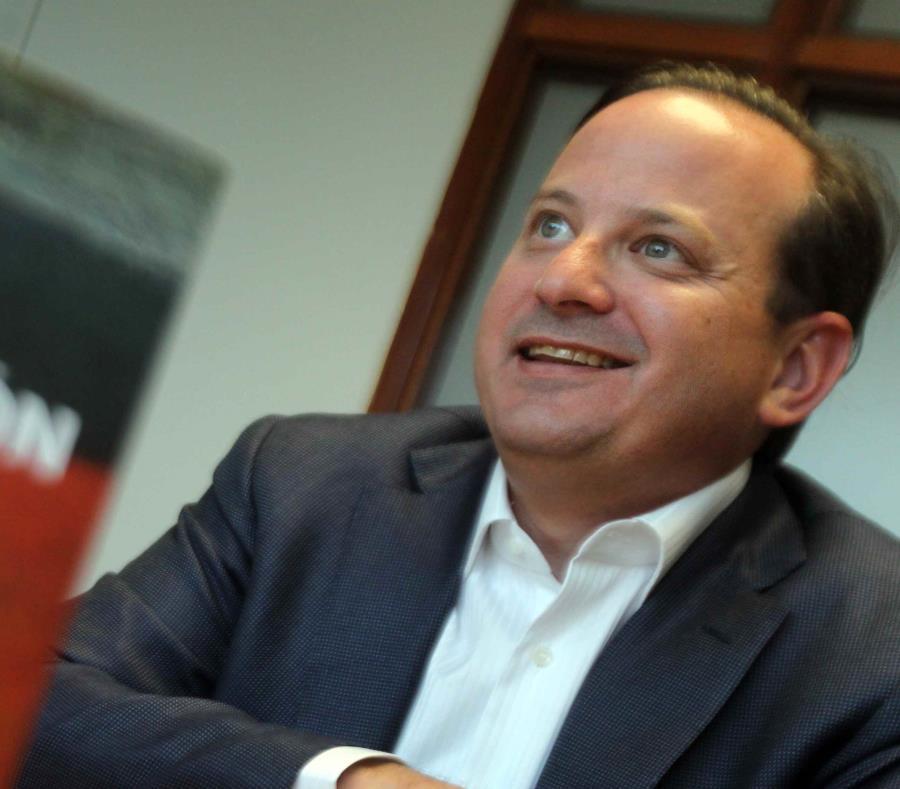 Juan Carlos Albors, aspirante a comisionado residente por el PPD (semisquare-x3)
