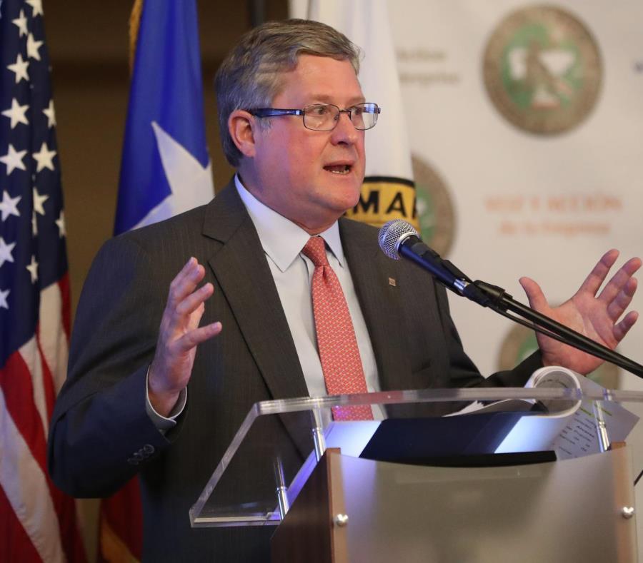 El presidente de la Asociación de Bancos, Ignacio Álvarez, durante su participación en el foro ayer. (semisquare-x3)