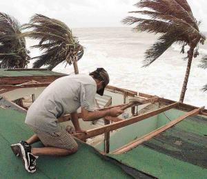 La llegada del huracán reta nuestra fe