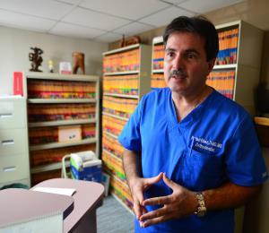 Los profesionales de la salud intentan superar obstáculos