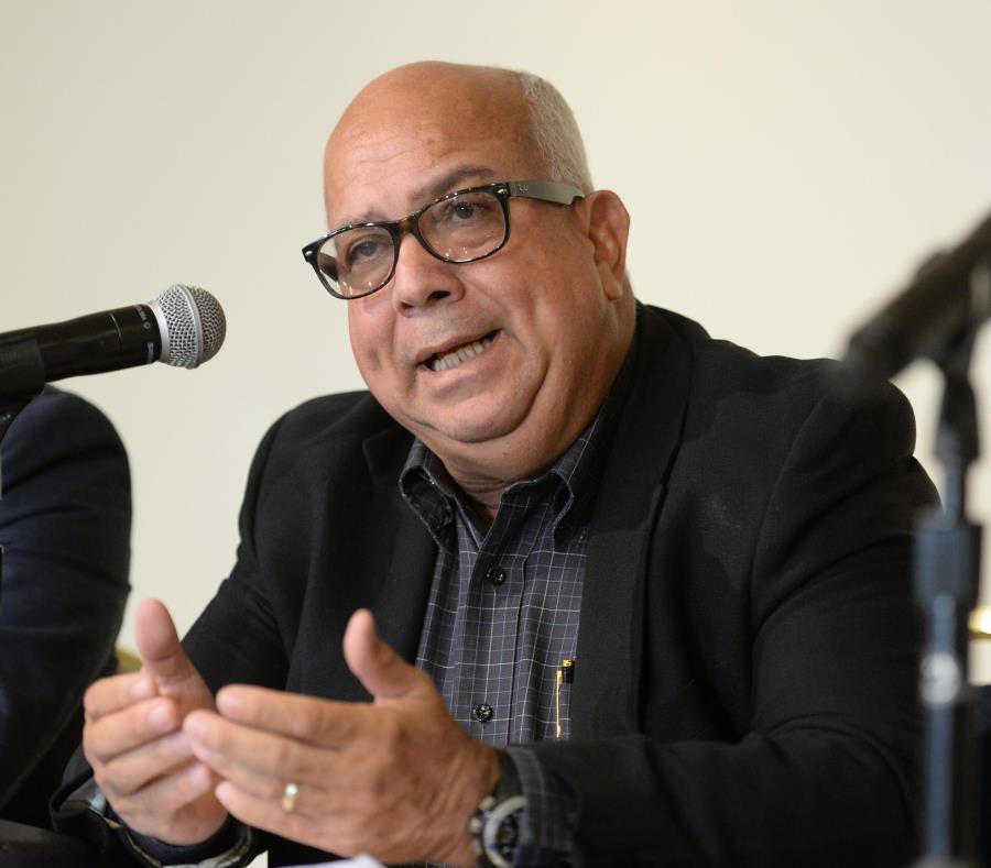 Miguel Vega, presidente de la Junta de Directores de la Asociación de Hoteles y Turismo, también comprometió los esfuerzos de su gremio a la iniciativa. (GFR Media) (semisquare-x3)