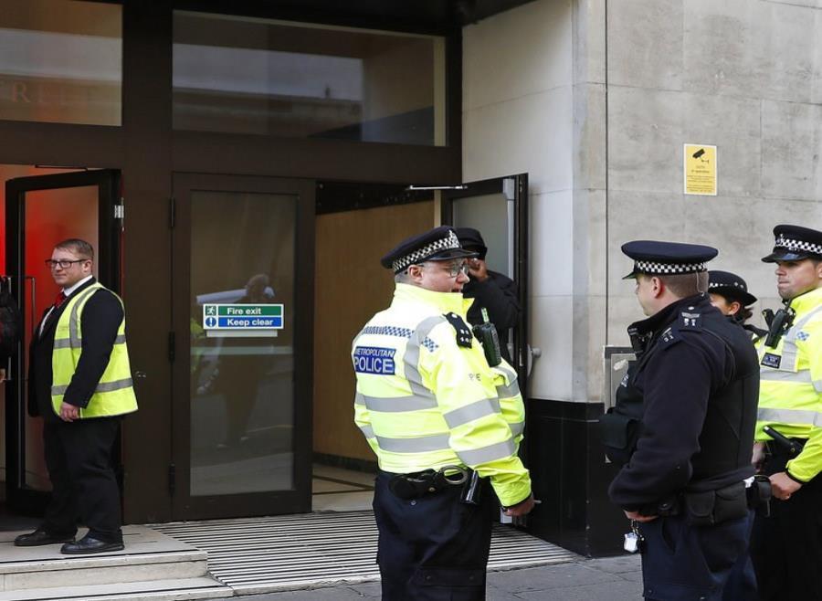 Un detenido tras herir a dos personas en la sede de Sony en Londres (semisquare-x3)