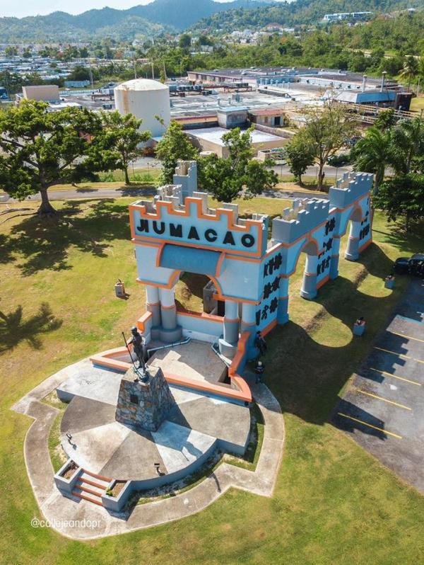 Plaza del Bicentenario de Humacao. (Archivo GFR Media)