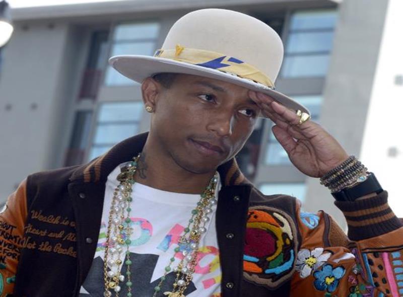 Pharrell Williams dijo que no le dio permiso al mandatario estadounidense para usar su canción, que tiene derechos de autor. (semisquare-x3)