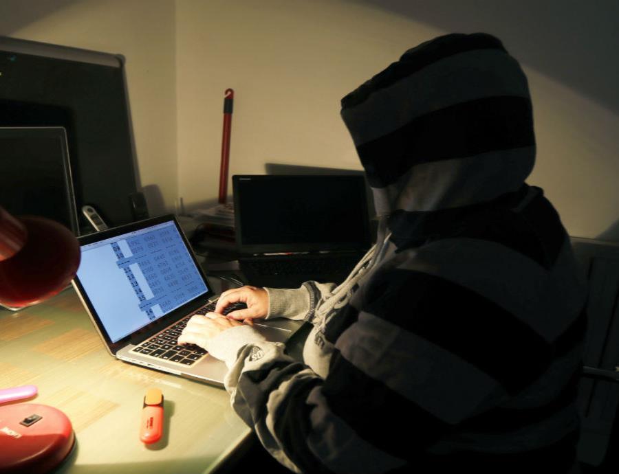 Alertan sobre un falso correo que parece llegar desde tu propia cuenta (semisquare-x3)
