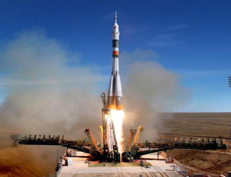 La nave Soyuz MS-10 tuvo que regresar y aterrizar en Kazajistán por un fallo en el propulsor (semisquare-x3)