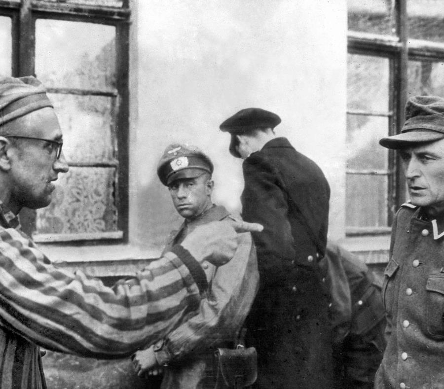 Un exguardia nazi de 94 años será juzgado por su complicidad en el Holocausto (semisquare-x3)