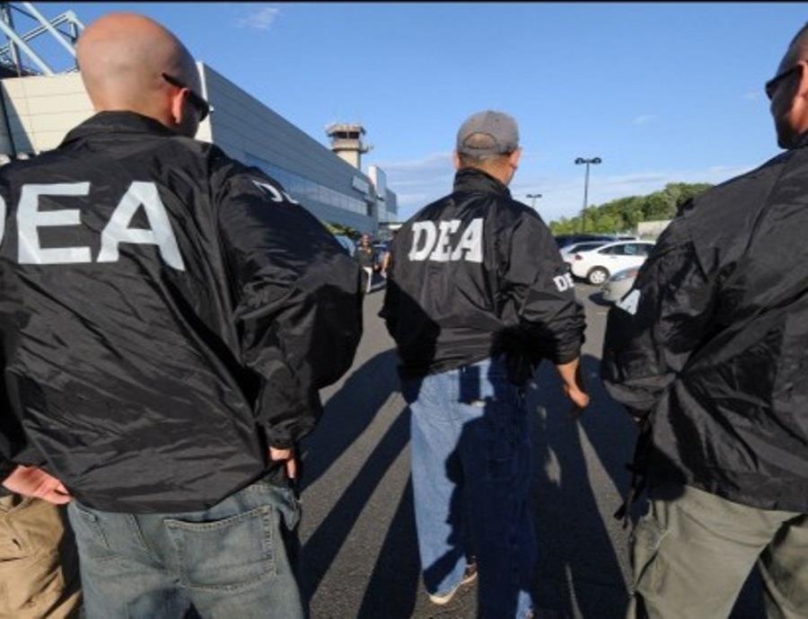 Un nuevo escándalo de prostitución y tráfico de información envuelve a la DEA en Colombia (semisquare-x3)