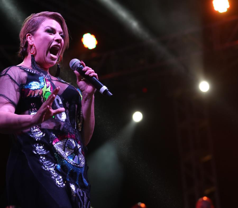 Olga Tañón lanzó un reto para que su admiradores bailen su estribillo musical. (semisquare-x3)