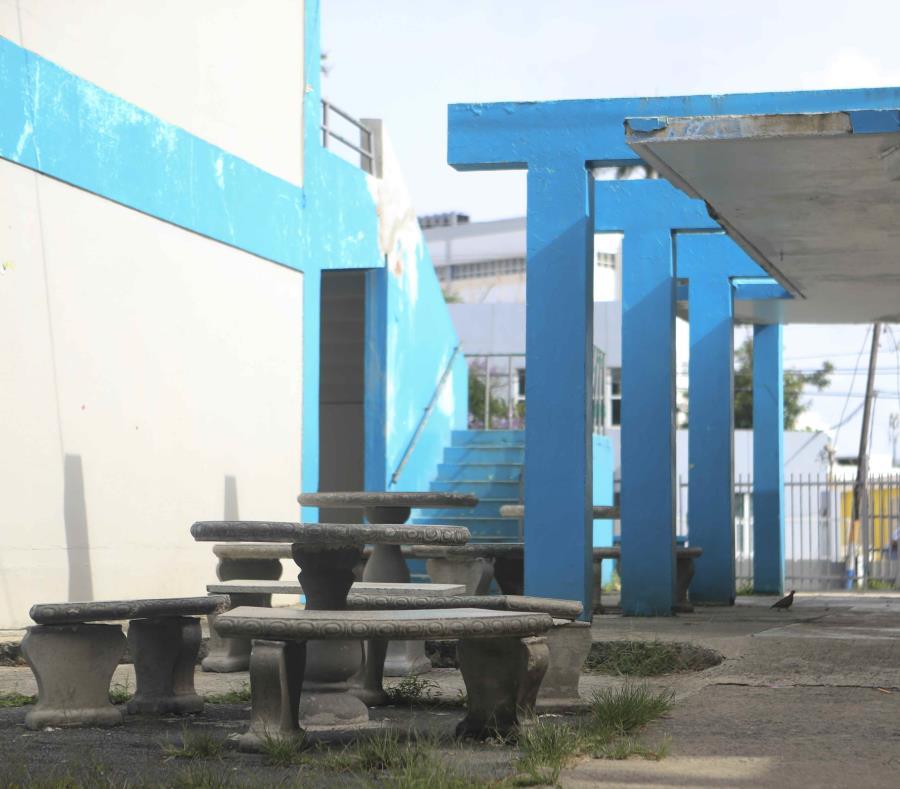 Educación tedrá unas 845 escuelas abiertas para el próximo año escolar, luego que se ordenara el cierre de 265 planteles durante el verano. Lo (semisquare-x3)