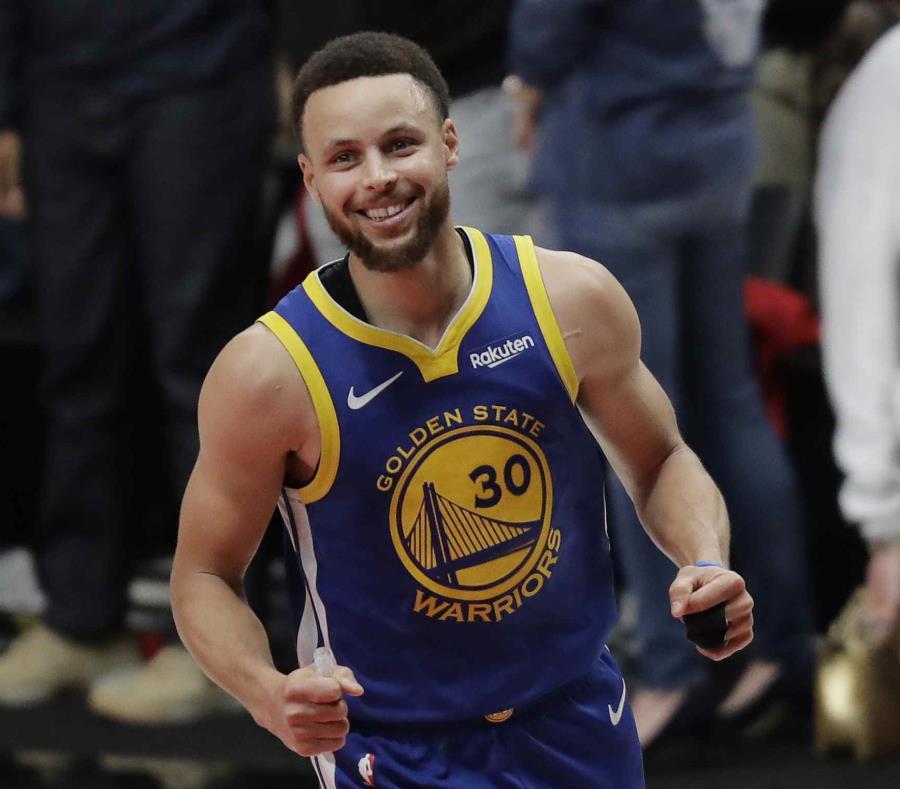 Curry anotó 37 puntos. (AP) (semisquare-x3)