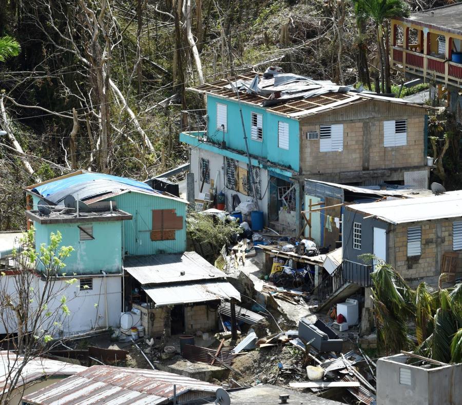 FEMA precisa que aunque una casa haya sido destruida totalmente, eso no significa que sus dueños recibirán el máximo de ayuda. Arriba, el sector Oquendo en San Lorenzo. (semisquare-x3)