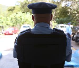 Detienen al hombre que roció a una embarazada con gasolina en Barranquitas