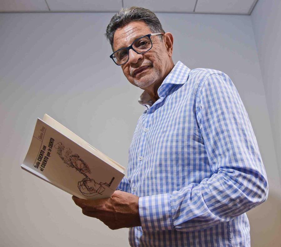 El comediante Silverio Pérez (semisquare-x3)