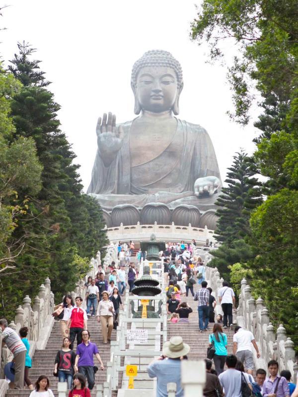 Completada su construcción en 1993, la estatua de bronce, Buda Tian Tan, mide 112 pies de altura. (Igor Galo / Especial para GFR Media)