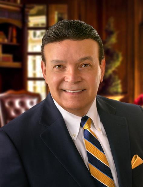 Víctor Delgado Colón (vertical-x1)