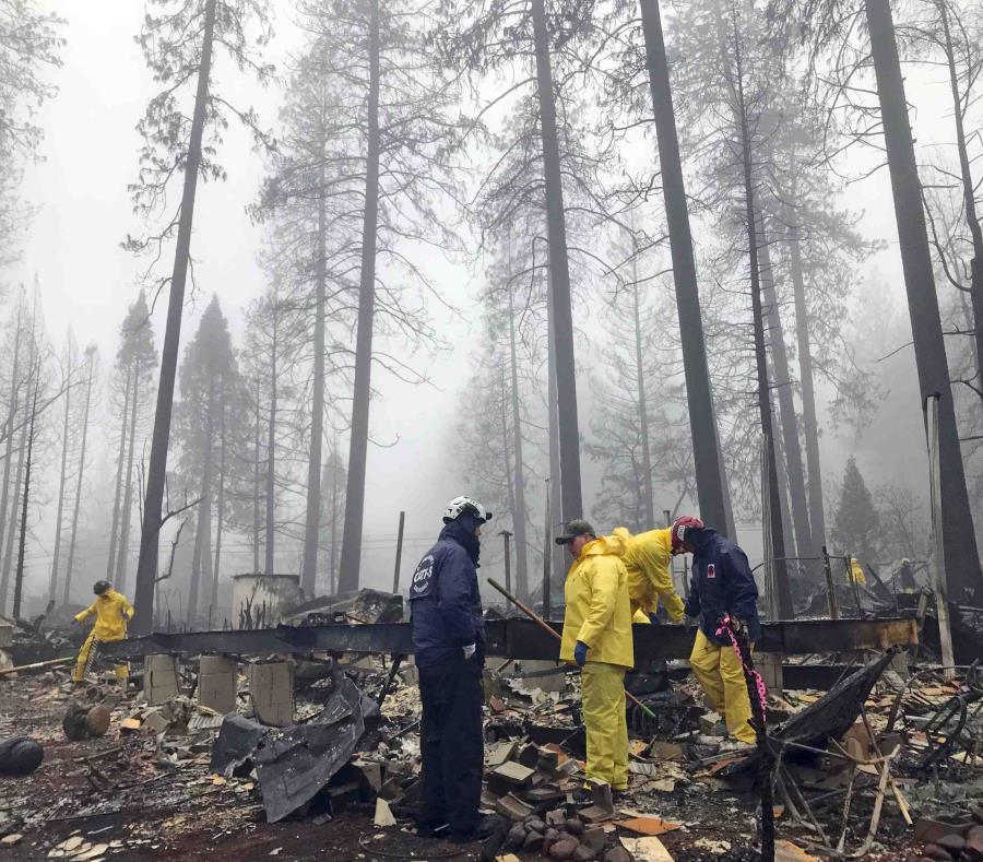 Según el gobernador de California, se necesita un enfoque sostenido y una acción inmediata para proteger al estado. (AP/Kathleen Ronayne) (semisquare-x3)