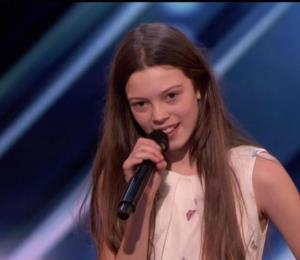 """Una niña de 13 años sorprendió a los jueces de """"America's Got Talent"""""""