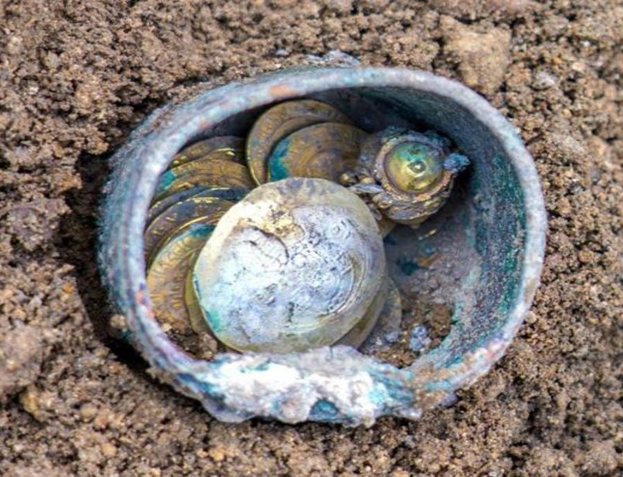 Descubren en Israel un tesoro con monedas de oro de hace 900 años (semisquare-x3)
