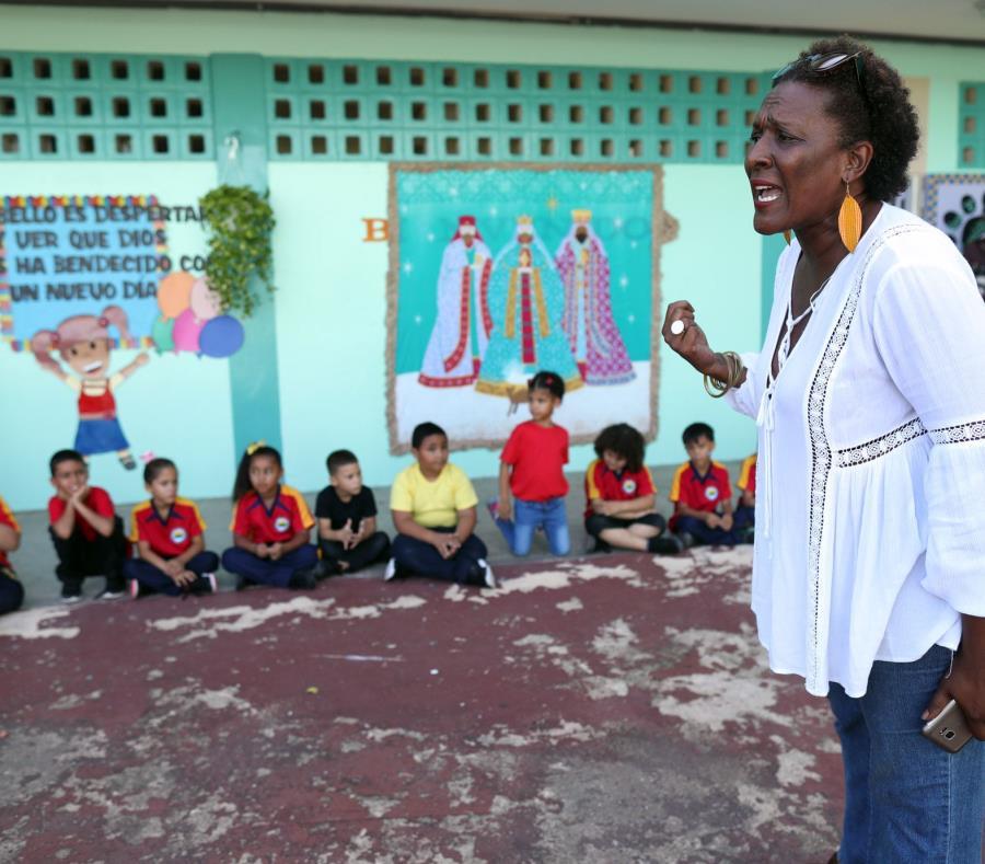 La escritora Mayra Santos-Febres iniciará el programa de residencia en julio. (GFR Media) (semisquare-x3)