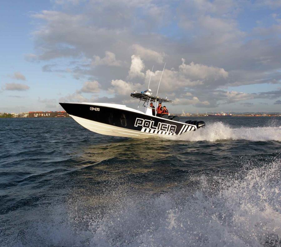 Un fuerte oleaje causó que la embarcación en donde viajaban sufriera daños (semisquare-x3)