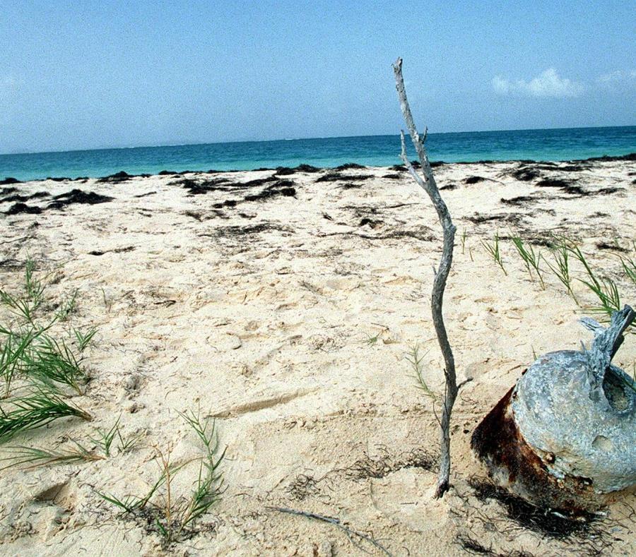Por años, los viequenses han denunciado la explotación al aire libre de municiones que la Marina de Guerra dejó en zonas de la isla municipio. (semisquare-x3)