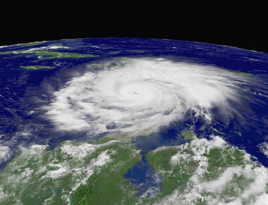 Las temperaturas más cálidas del océano, que proporcionan el combustible para los huracanes, probablemente están impulsando el fortalecimiento de tormentas explosivas (semisquare-x3)