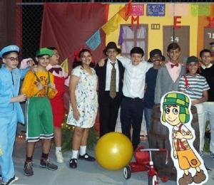Celebran una Noche Internacional en el Colegio Thomas Alva Edison