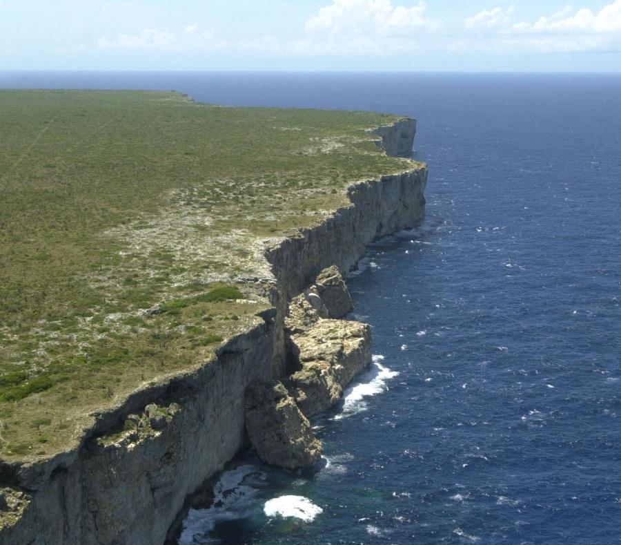 Vista de la costa de isla de Mona. (GFR Media) (semisquare-x3)
