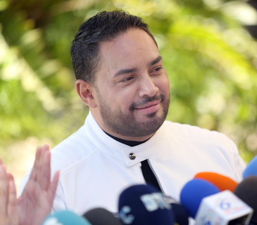 Manny Manuel logró revalidar ante el público de Islas Canarias al realizar un espectáculo completo la noche del sábado. (GFR Media) (semisquare-x3)