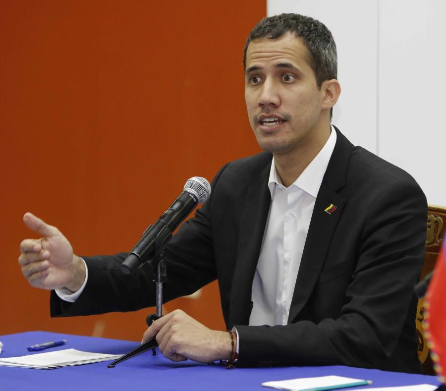 El líder de la oposición y autoproclamado presidente interino de Venezuela, Juán Guaidó, también llamó a organizarse para expresar el descontento con el Gobierno de Nicolás Maduro. (EFE/Wladimir Torres) (semisquare-x3)