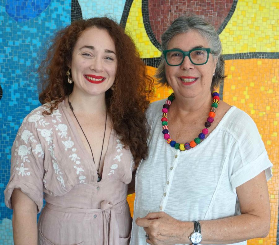 La coreógrafa Jeanne D'Arc Casas (izq.) y la directora de la compañía puertorriqueña Tojunto, Rosa Luisa Márquez. (semisquare-x3)