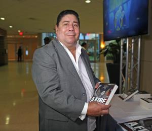 Otro KO de Wilfredo Gómez a La Pelona