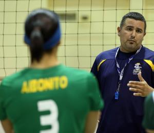 Las Polluelas suman su novena derrota seguida en el voleibol superior
