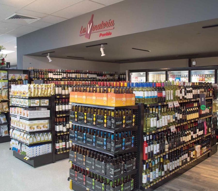La nueva área de vinos del supermercado. (Suministrada) (semisquare-x3)