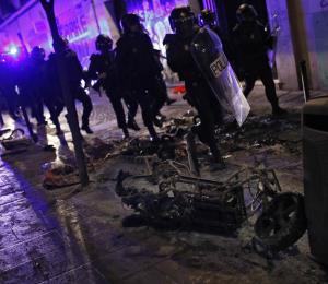Choques en Madrid tras muerte de vendedor africano