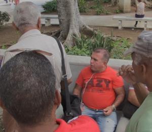 Los fanáticos cubanos siguen a pulmón la Serie Mundial