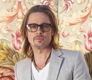 Critican a Brad Pitt por mala calidad de casas que construyó tras el huracán Katrina