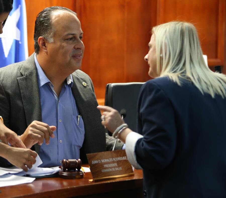 Ángela Ávila, directora de  ASES, informó ayer en vista pública –dirigida por el representante Juan Oscar Morales– que desde noviembre han atendido más de 50 querellas de proveedores que le dan servicio a la Reforma de Salud. (semisquare-x3)