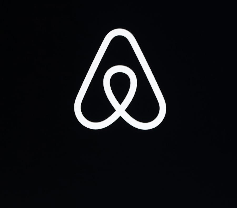 Ofrece el nuevo servicio Airbnb Adventures. (AP) (semisquare-x3)