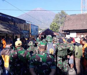 Un potente sismo remece la isla indonesia de Lombok