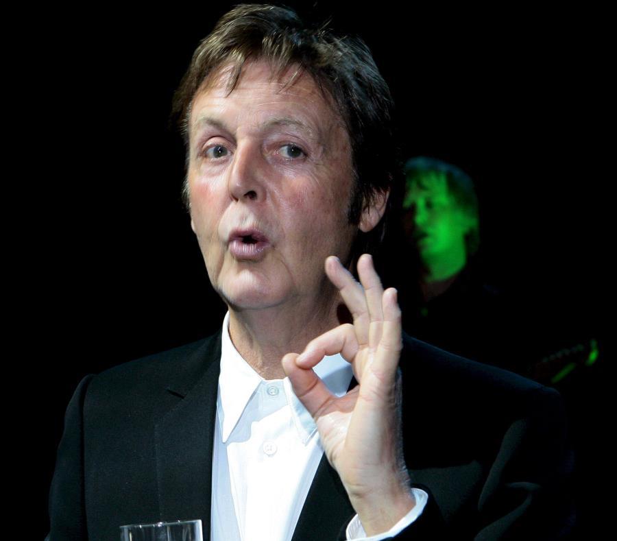 Paul McCartney revela secretos sexuales de la banda The Beatles (semisquare-x3)