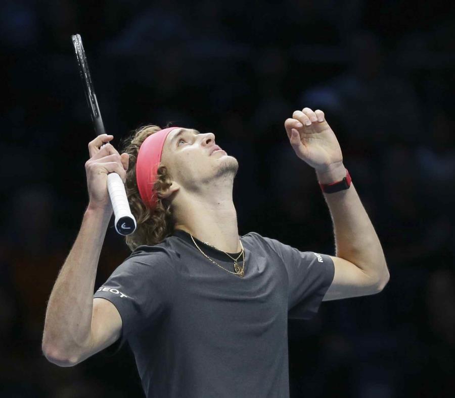 El alemán Alexander Zverev celebra tras vencer a Roger Federer. (semisquare-x3)