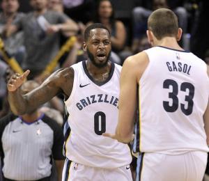 Los Grizzlies salen de racha de 19 derrotas
