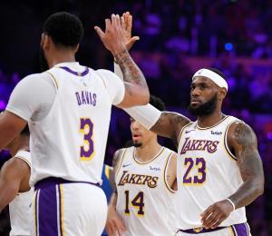 Ahora o nunca para los Lakers-James