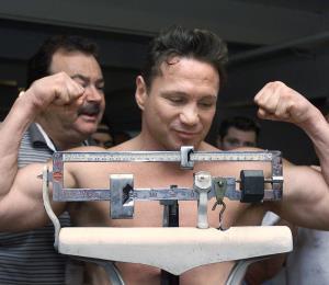 Arrestan al excampeón de  boxeo Vinny Paz